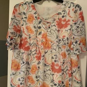 Chiffon, floral tie front top!
